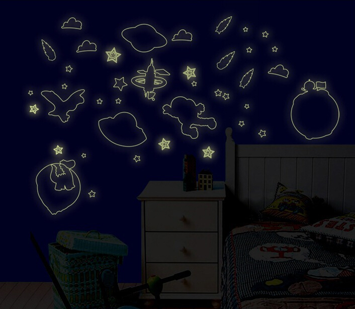 Universe Fun Glow in The Dark Wall Sticker